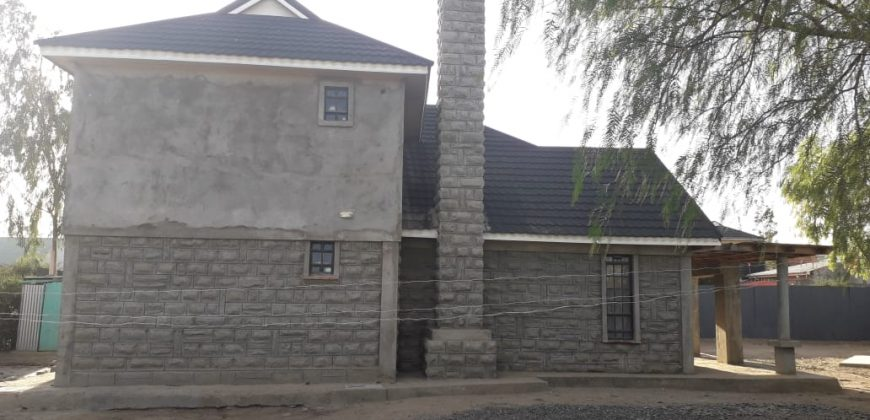 Spacious 4 Bedroom (All ensuite) Townhouse for SALE in Kitengela